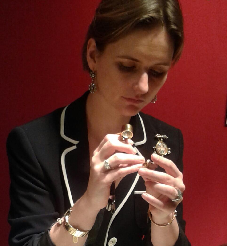 Taxatie van een juweel loupe antieke juwelen sieraden