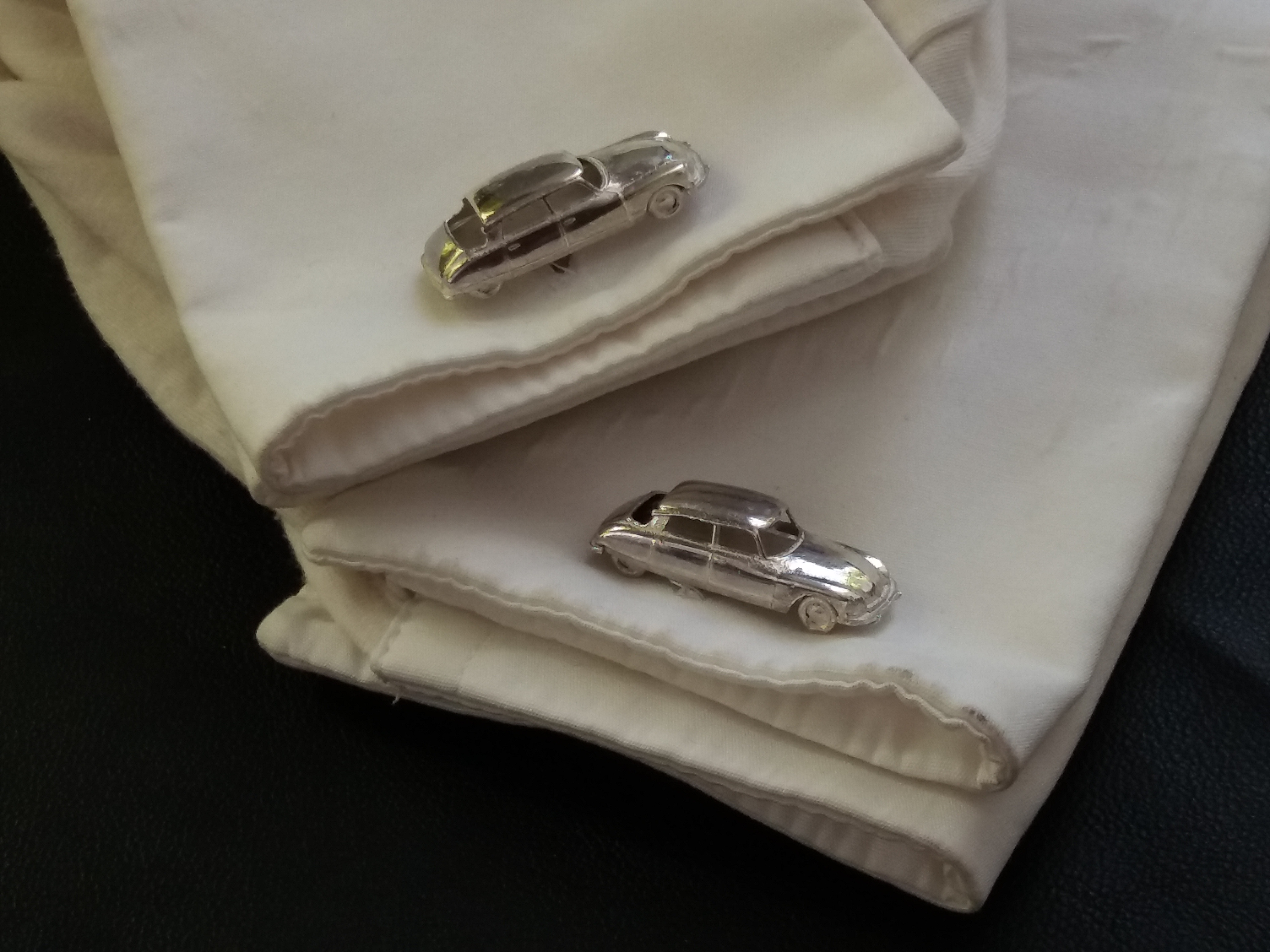 Citroen DS silver miniature 1:160 fullbody cufflinks