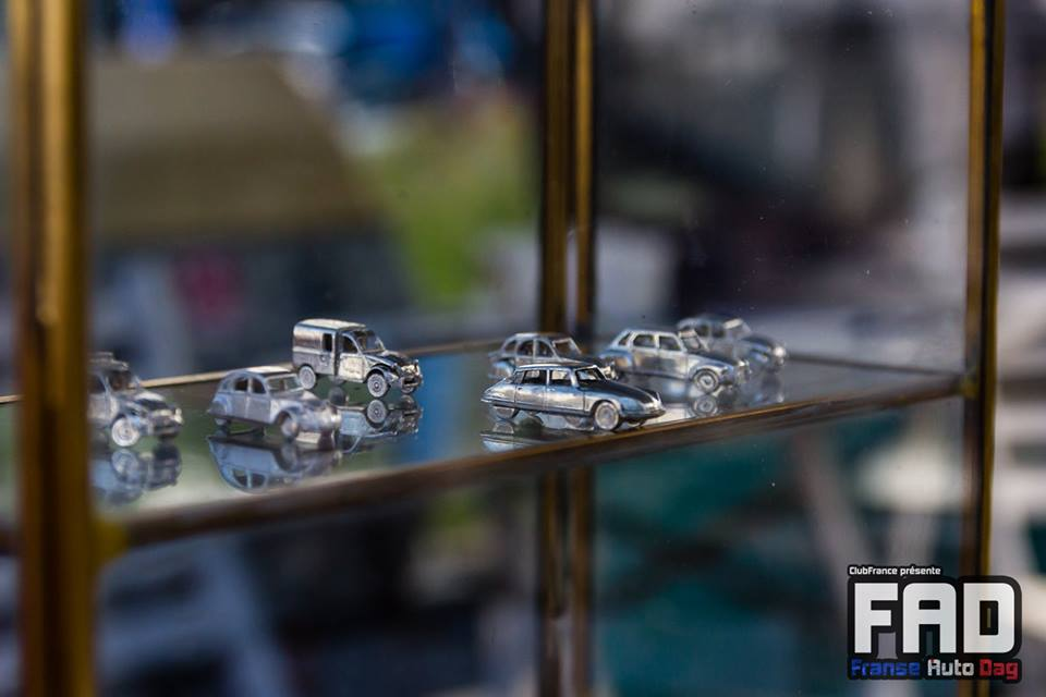 Citroen miniature silver 2cv AK400 DS FAD