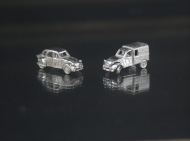 Citroen 2cv AK AK400 silver miniature car jewel 1:160