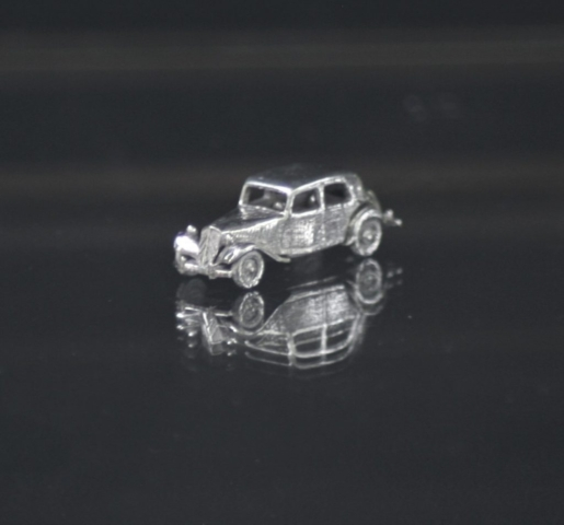 Citroen Traction Avant 7cv 11BL silver miniature car jwel 1:160